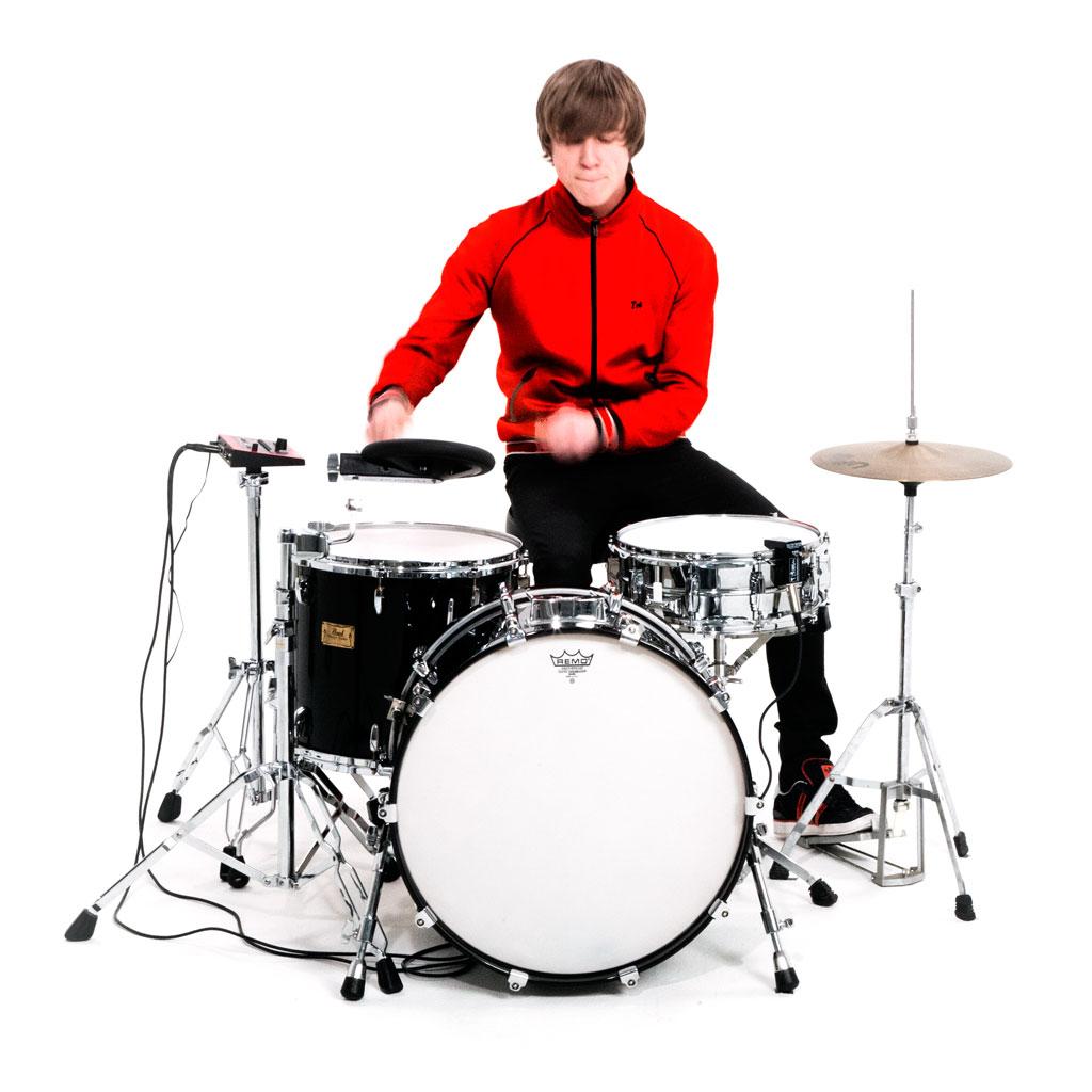 Играть на барабанах картинка